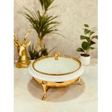 سخان طعام سيراميك دائري. ابيض مزين بذهبي مع ملعقه صغير