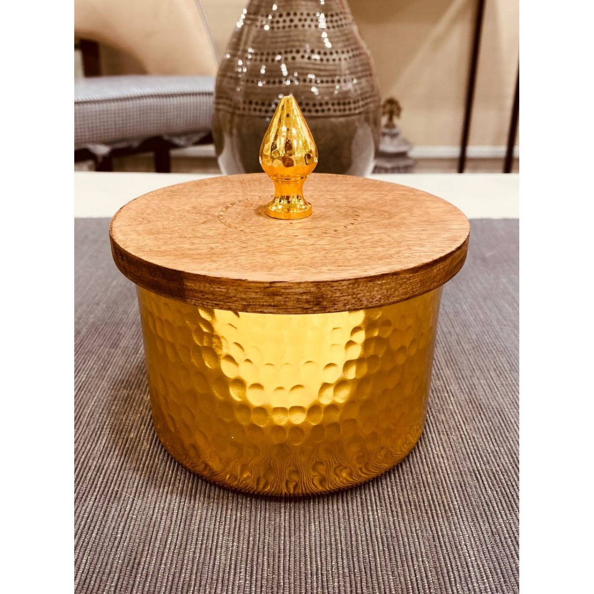 صحن حديد هندي ذهبي بغطاء خشب11*15سم